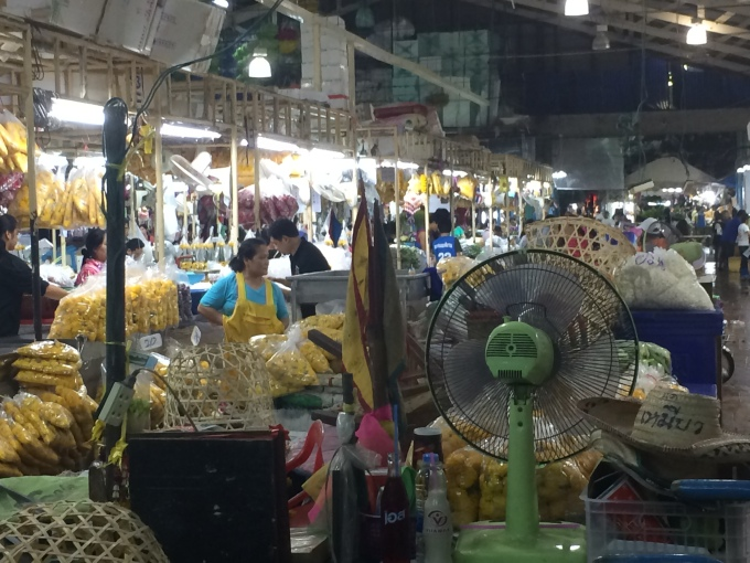 Let's explore Bangkok - Markets